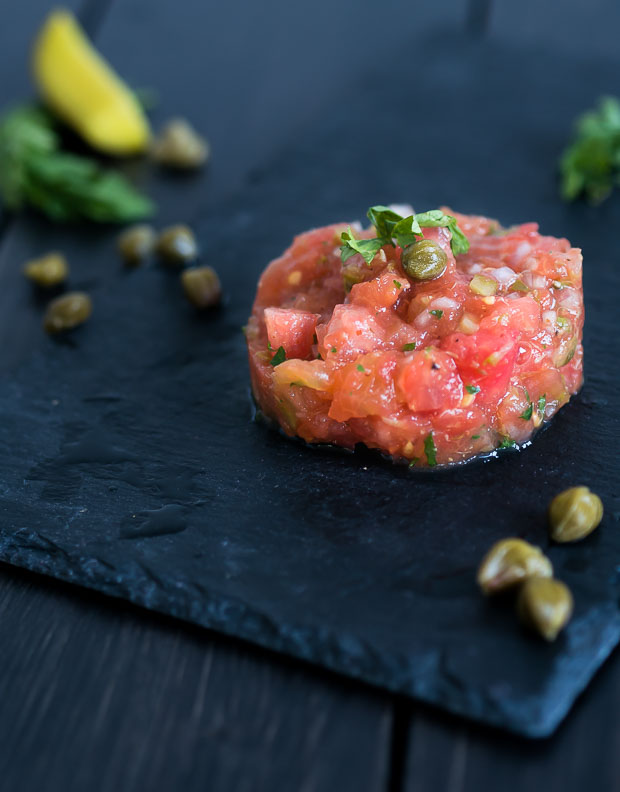 Vegetarisch voorgerecht kerst: tomatentartaar