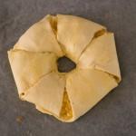 Gevuld paasbrood met eiersalade