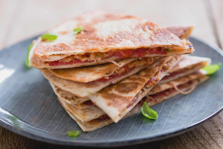 Salami pizza quesadillas | Snelle keuken